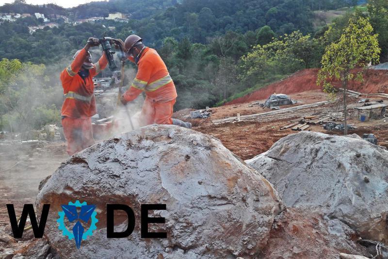 Desmonte de rocha com argamassa expansiva